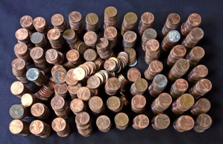many stacks of pennies, symbolizing 100 budget categories